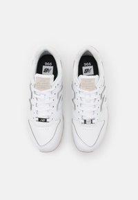 New Balance - WL996 - Sneakers - white - 5