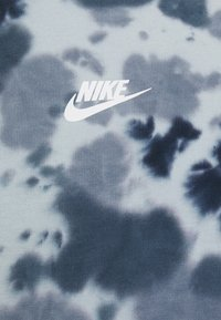 Nike Sportswear - TEE  - T-shirt med print - thunder blue/armory blue - 5
