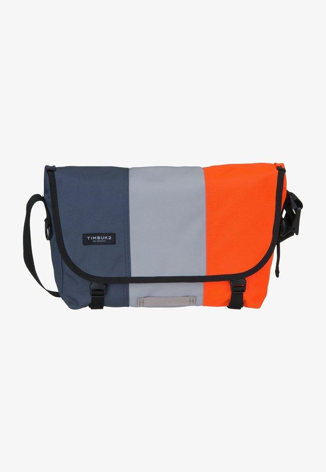 HERITAGE CLASSIC  - Across body bag - racer