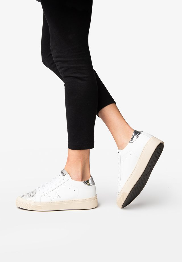 ANDREA - Sneakers laag - white/silver