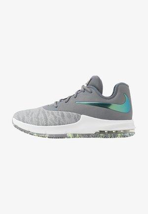 AIR MAX INFURIATE III LOW - Basketball shoes - cool grey/dark grey/platinum tint/lab green