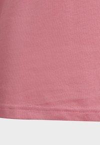 adidas Performance - Print T-shirt - pink - 6