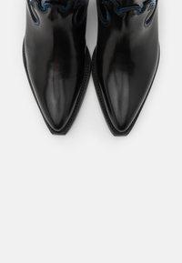 Scotch & Soda - CORALL - Kovbojské/motorkářské boty - black - 5