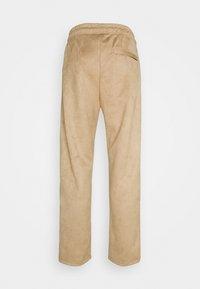 Pegador - WIDE PANTS - Kalhoty - almond - 8