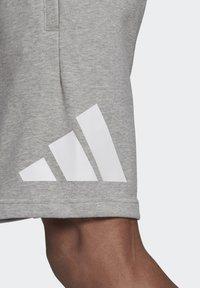 adidas Performance - M FI SHORT - Urheilushortsit - grey - 4