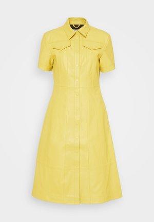 DRESS - Košilové šaty - citron