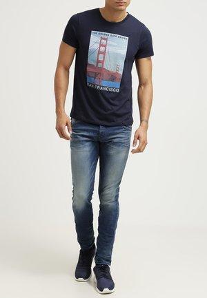 JJORGLENN FOX - Slim fit jeans - blue denim