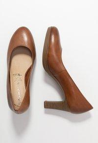Tamaris - Platform heels - muscat - 2