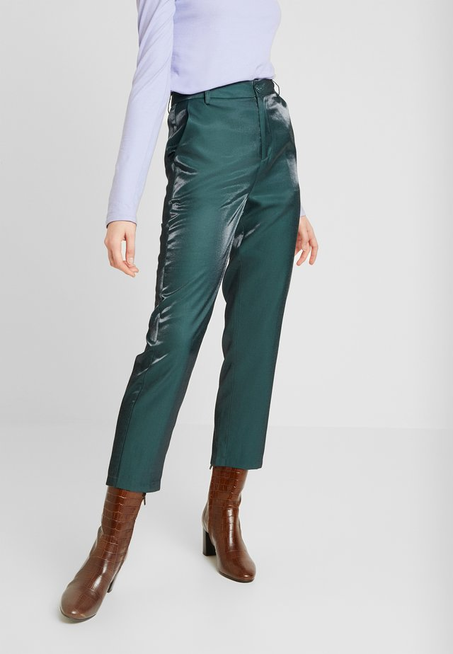 HONNIE TROUSER - Pantaloni - green