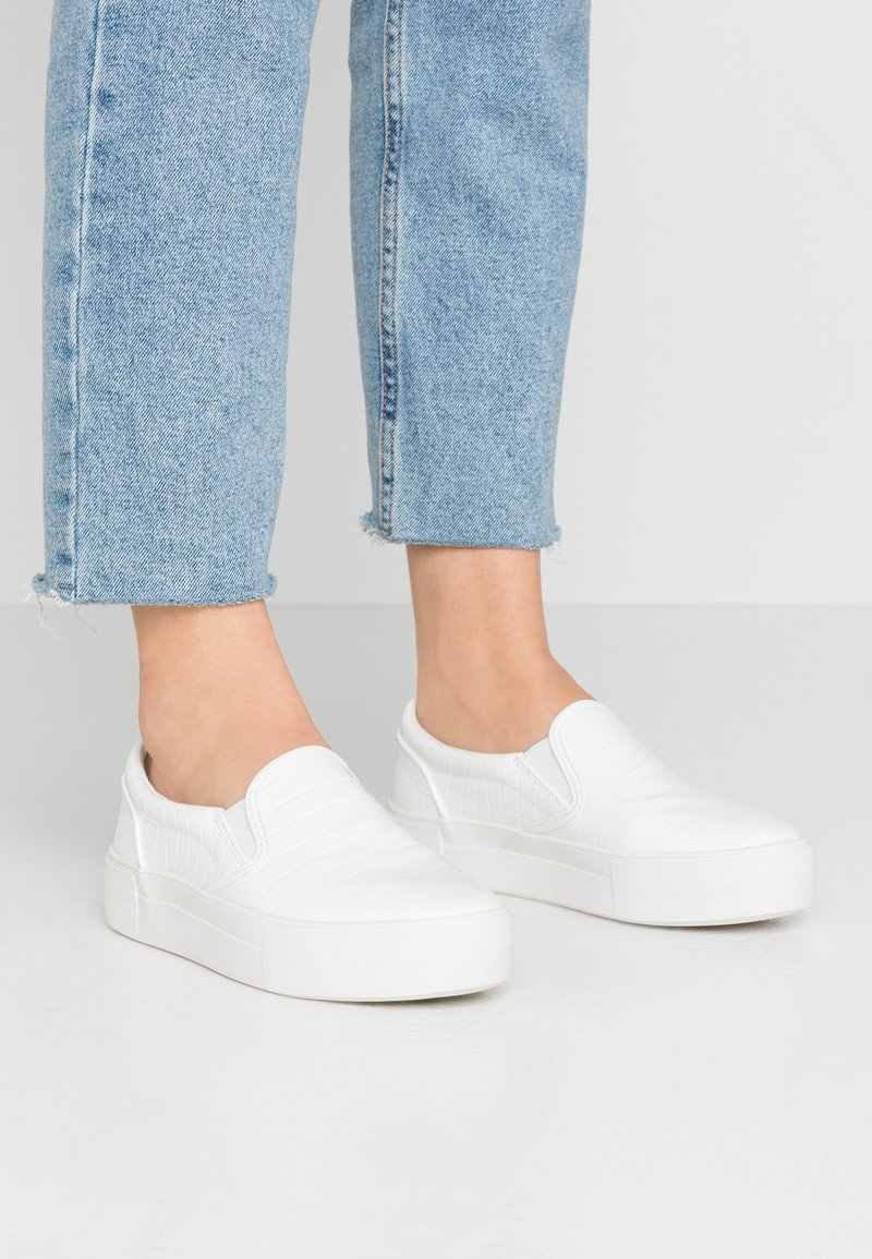 NA-KD - TRAINERS - Nazouvací boty - white