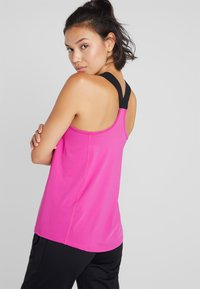 ONLY Play - ONPGOLDIE TRAINING - Sportshirt - very berry - 2