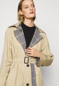 WEEKEND MaxMara - ARLETTE - Trenchcoat - weiss - 7