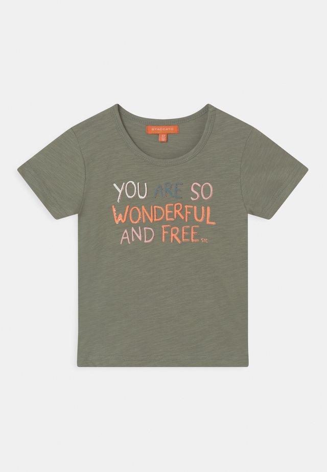 2 PACK - T-shirt print - multi-coloured