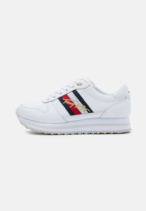 SIGNATURE RUNNER - Trainers - white