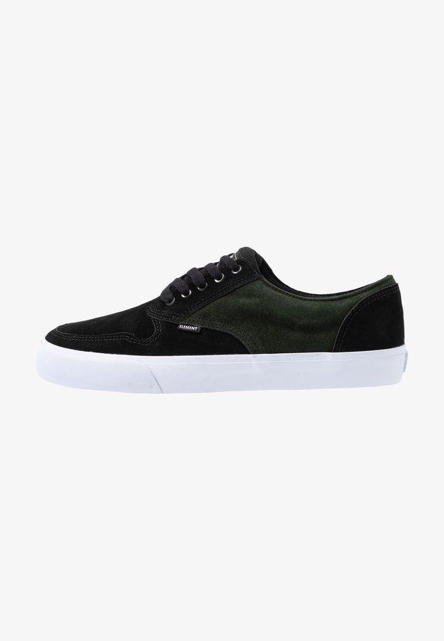 TOPAZ - Chaussures de skate - forest/night black