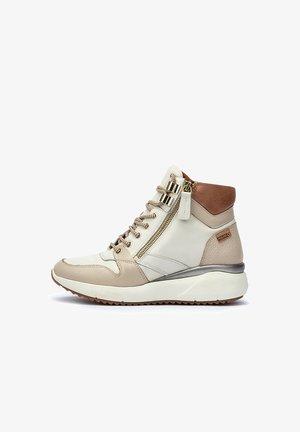 Zapatillas altas - nata
