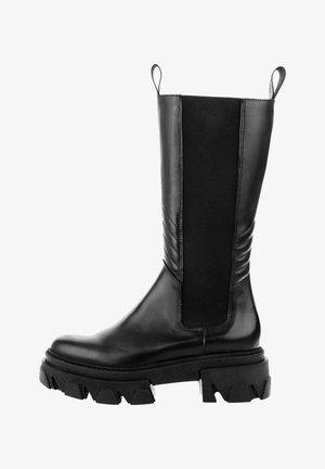MANTOVA - Platform boots - czarny