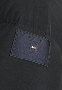 Tommy Hilfiger - Down jacket - black - 6