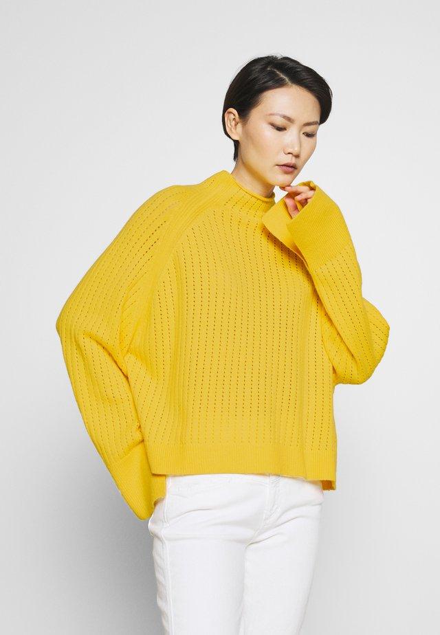 VIKKI - Neule - empire yellow