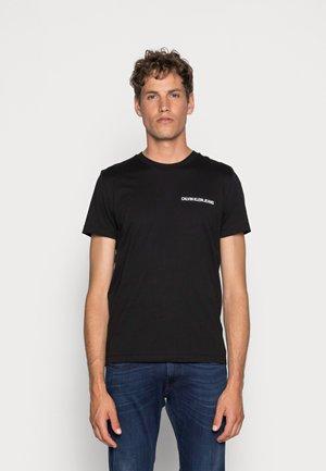 SMALL INSTIT LOGO CHEST TEE - T-shirt basic - black