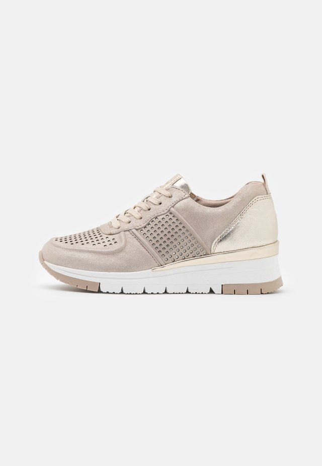 LACE-UP - Sneakers laag - champagne