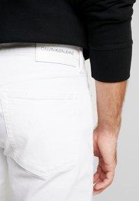 Calvin Klein Jeans - REGULAR SHORT - Jeansshort - white denim - 3