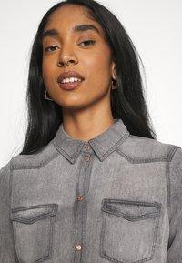 Vero Moda - VMMARIA SHIRT - Button-down blouse - black - 3