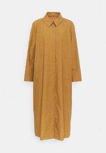 TEHEN - Classic coat - camel