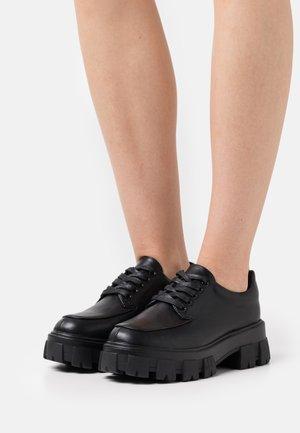 SPLENDID - Šněrovací boty - black