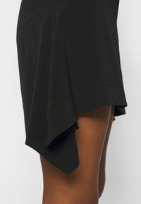 Victoria Victoria Beckham - FLOUNCE HEM SKIRT - A-line skirt - black - 5