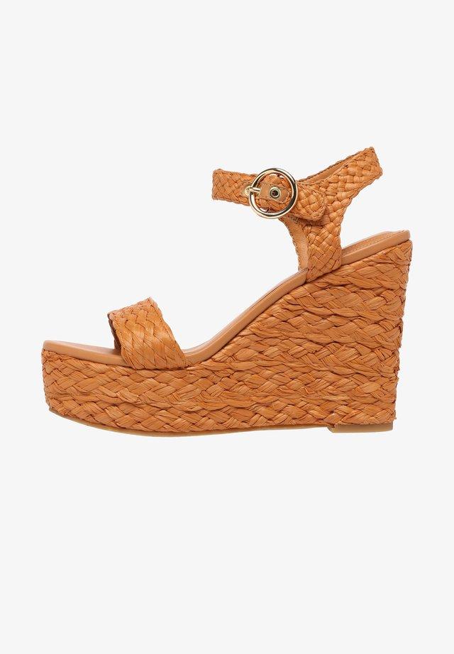 CORIE - Sandalen met hoge hak - dark camel