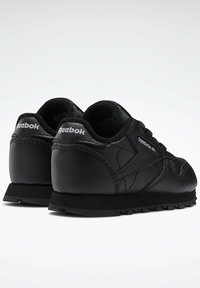 Reebok Classic - CLASSIC LEATHER SHOES - Baby shoes - black - 2