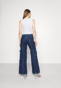 BDG Urban Outfitters - LOW RISE CARGO - Jeansy Straight Leg - blue - 2