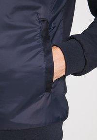 Timberland - MOUNT CABOT HYBRID JACKET - Summer jacket - dark sapphire - 6
