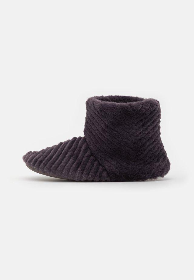 CHEVRON BOOTIE - Pantoffels - charcoal