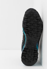 Salewa - WILDFIRE EDGE MID GTX - Hiking shoes - poseidon/grisaille - 4