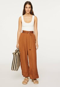 OYSHO - Trousers - brown - 1