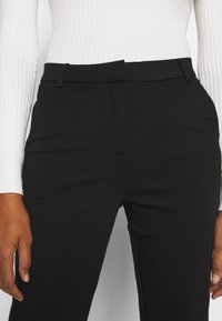 Vero Moda Tall - VMLILITH ANKLE PANT - Trousers - black - 3
