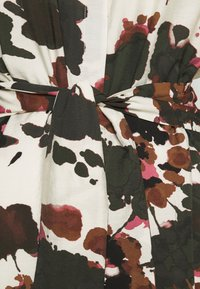 Object Tall - OBJALIKA 3/4 DRESS - Skjortekjole - sandshell - 2
