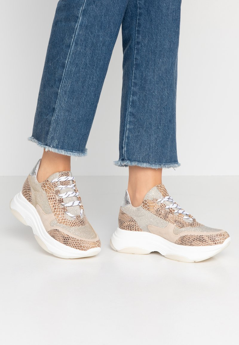 Steven New York - KATRIE - Trainers - silver