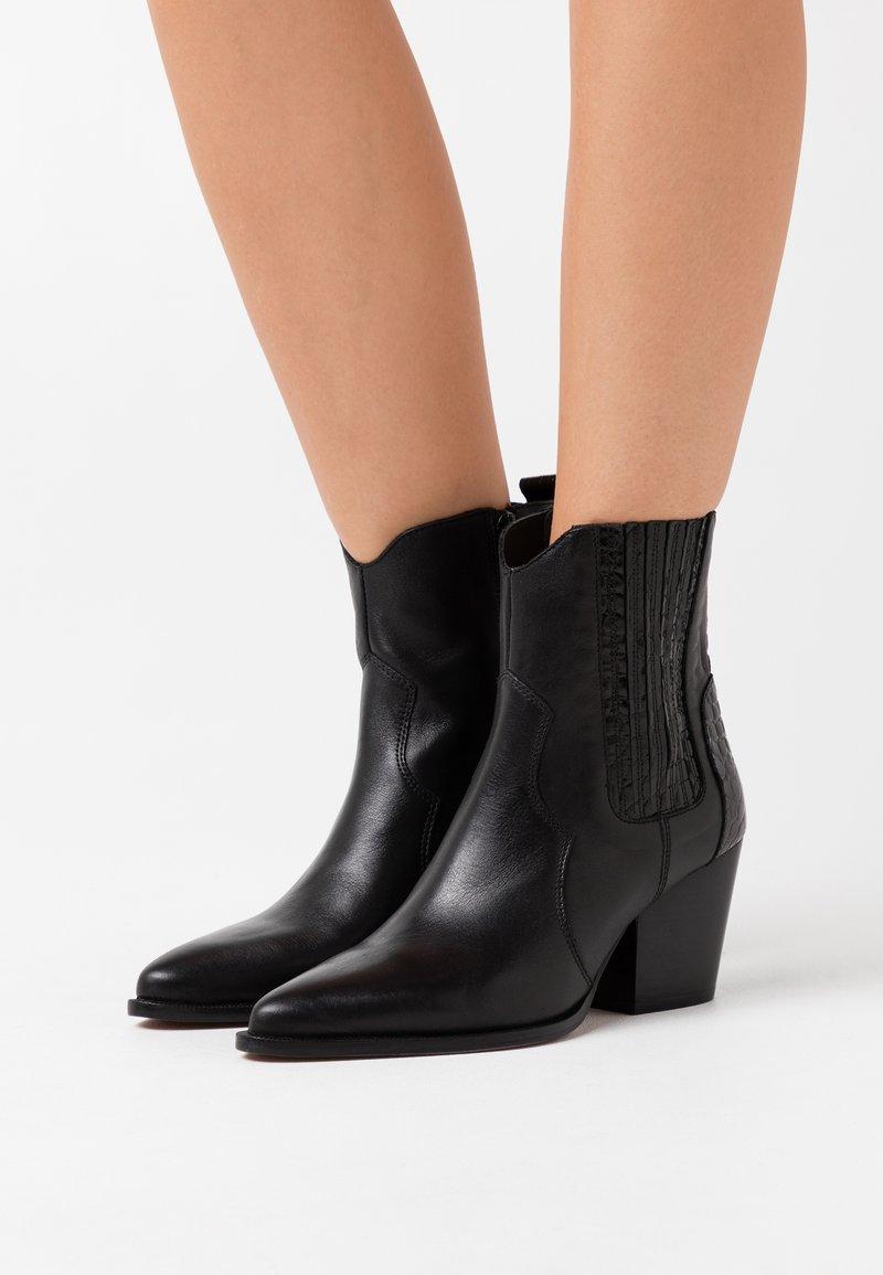 Toral - Kovbojské/motorkářské boty - black