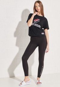Superdry - Print T-shirt - black - 0