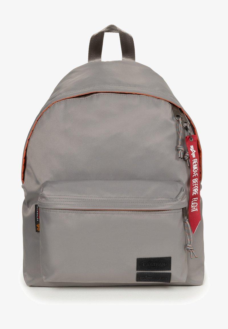 Eastpak - Reppu - alpha grey