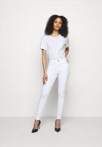 J Brand - MARIA  - Jeans Skinny Fit - blanc - 1