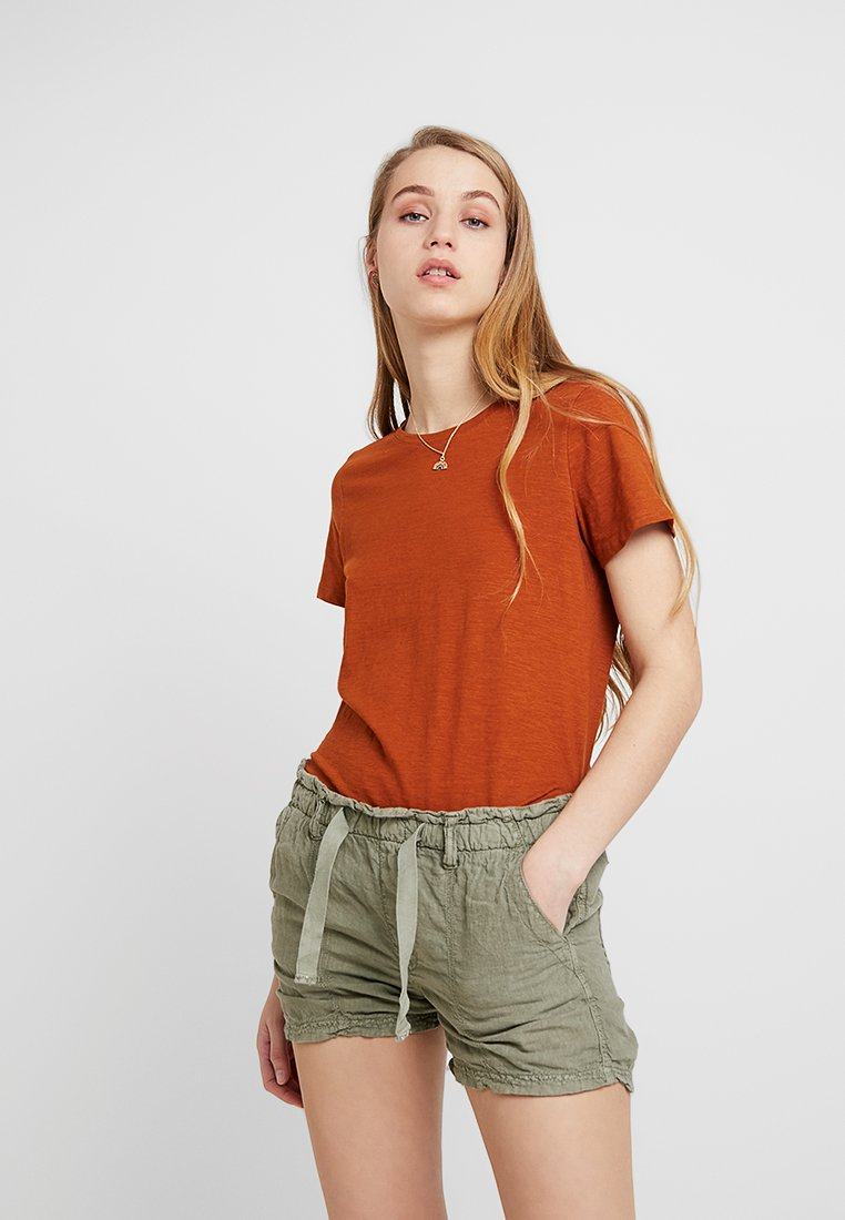Cotton On - THE CREW - Basic T-shirt - umber brown