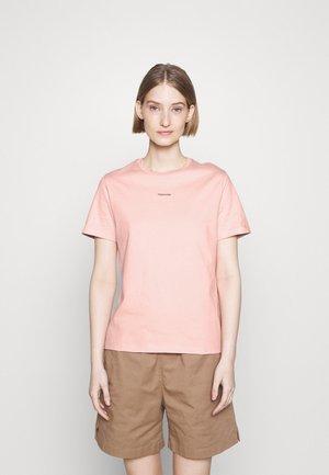 SUZANA TEE - Jednoduché triko - pink