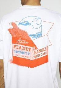 Carhartt WIP - LOVE PLANET - Print T-shirt - white - 3