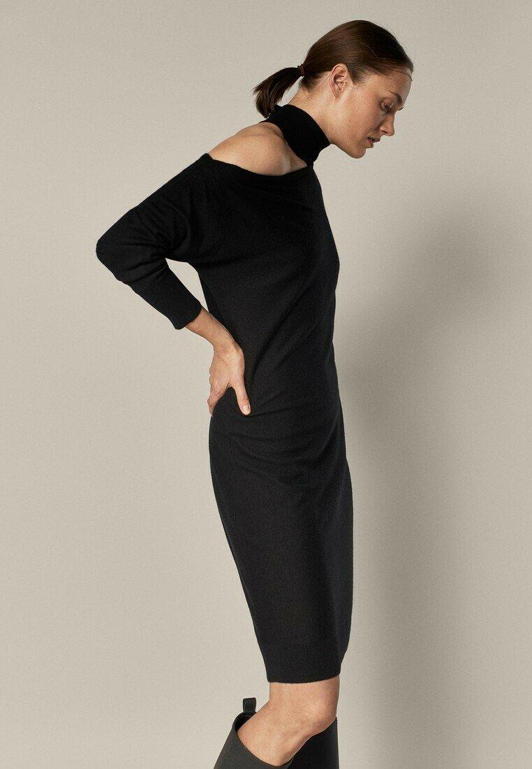 Massimo Dutti - MIT ASYMMETRISCHER SCHULTER - Jumper dress - black