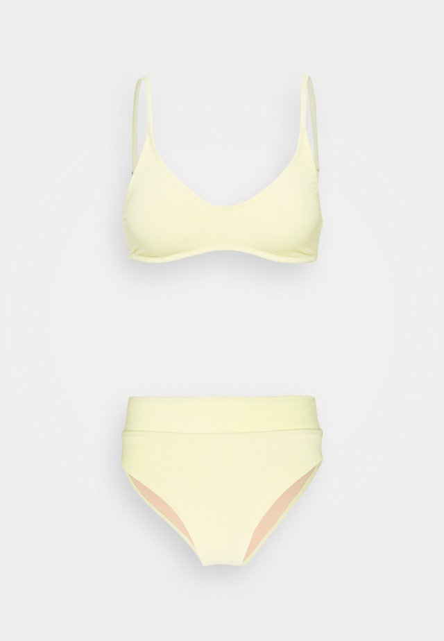 CROP HIGHWAISTED CHEEKY SET - Bikini - lemon terry