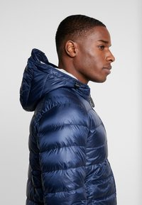Only & Sons - ONSFAVOUR - Down jacket - dress blues - 3